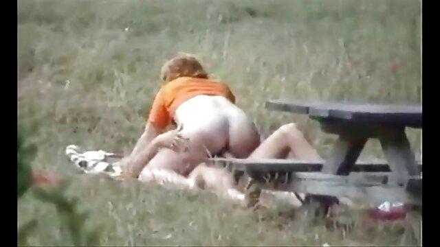 دختران کالج هیجان سکس کیفیت بالا زده pawing الاغ و نونوجوانان