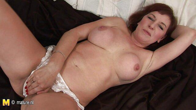 Big Tits, پرش در dildo به سکس میانسال او